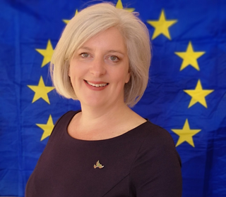 Caroline with European flag